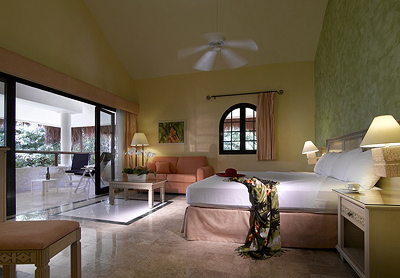 Suites at Grand Palladium White Sand Resort & Spa
