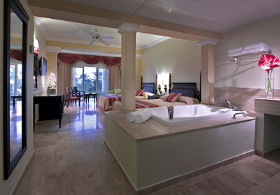 Suites at Grand Palladium Lady Hamilton Resort & Spa